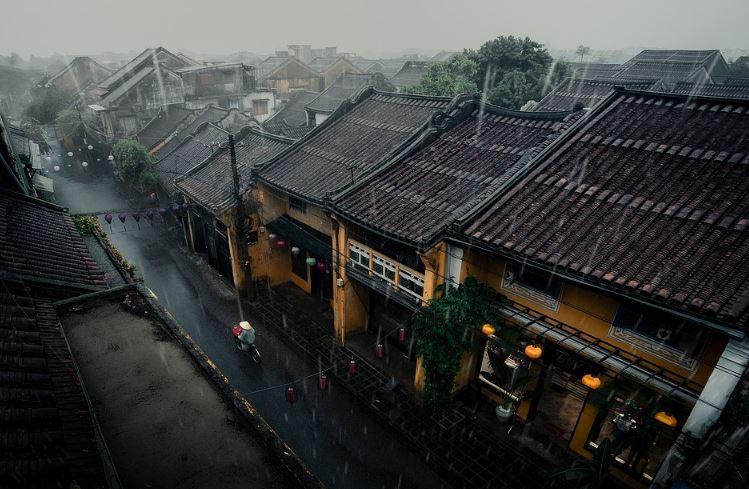 Pantun Hujan Deras