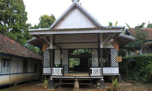 Rumah Imah Julang Ngapak